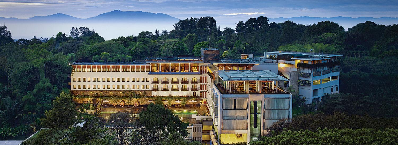Hotel Dekat Pasar Baru Trade Center Bandung Penginapan Murah Di Mulai Dari Rp 83000