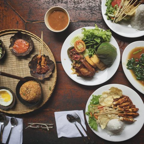 Makanan kampung daun bandung